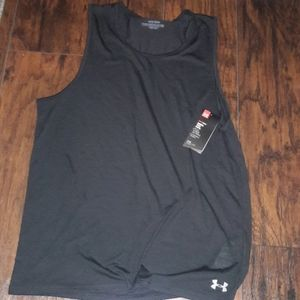 Mens sz XL Under Armour athletic shirt NWT